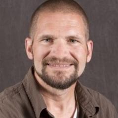 Dr Robert Gray